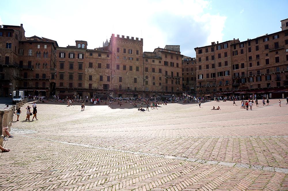 Siena, vuelta a la EdadMedia