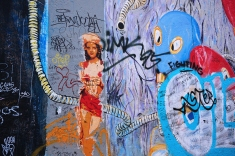 Iris (Taxi Driver) en el Muro de Berlín