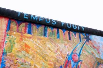 'TEMPUS FUGIT'