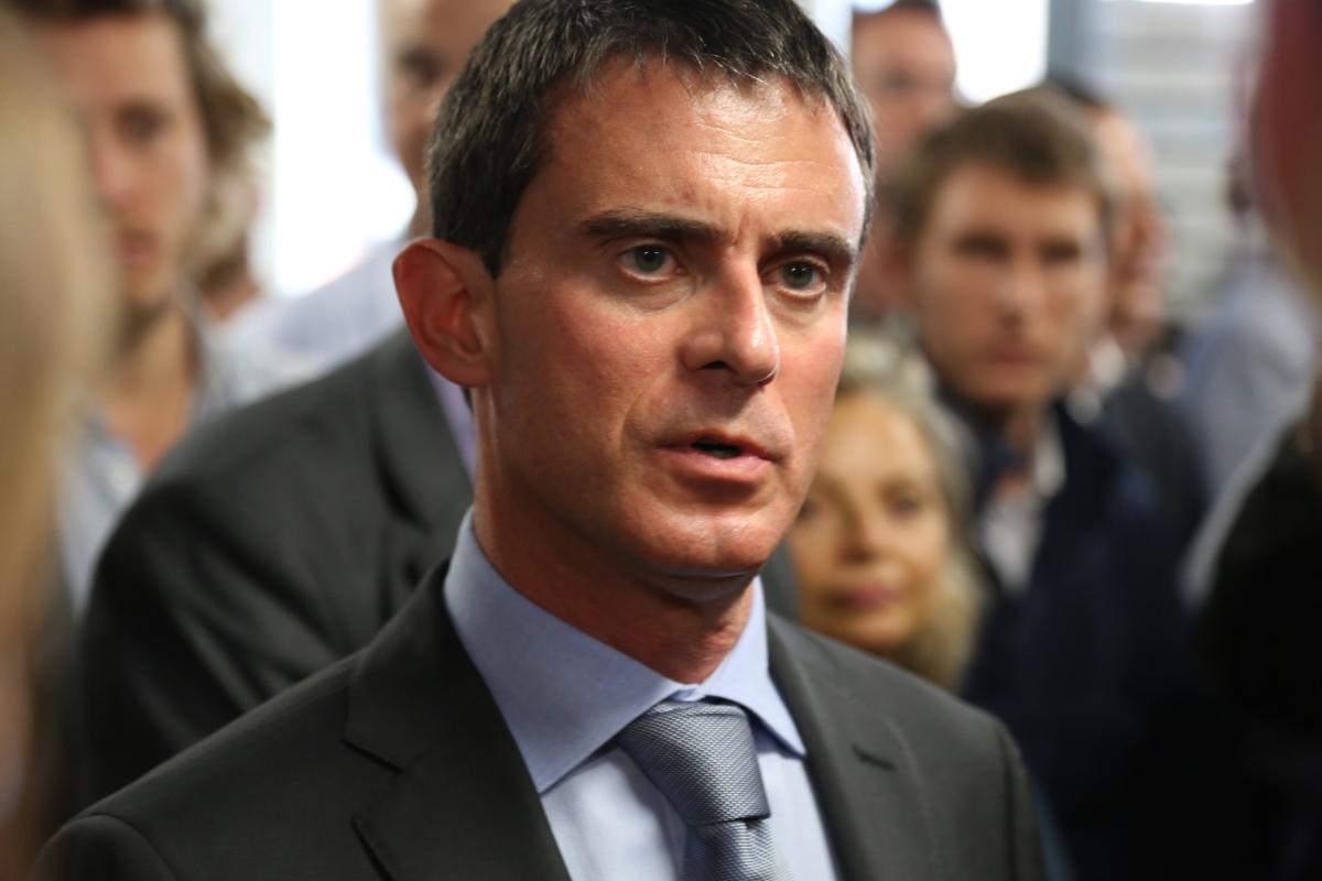 """FRANCE INFO: """"Micro européen. Manuel Valls dans la course à la présidentielle"""""""